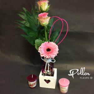 Enssemble de fleurs vase et bougies à offrir