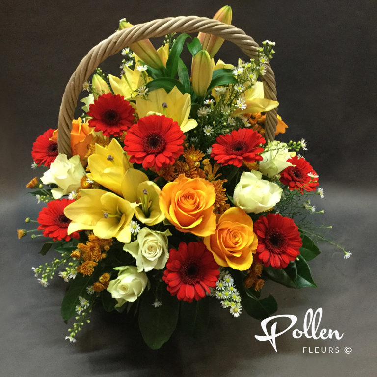 Panier de fleurs avec livraison au lieu de la cérémonie funéraire